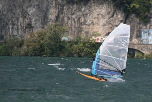 Surfen-meer-van-lugano